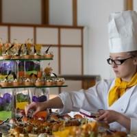 Сервировка обедов в Глион