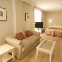 Общежитие в Les Roches Marbella: холл
